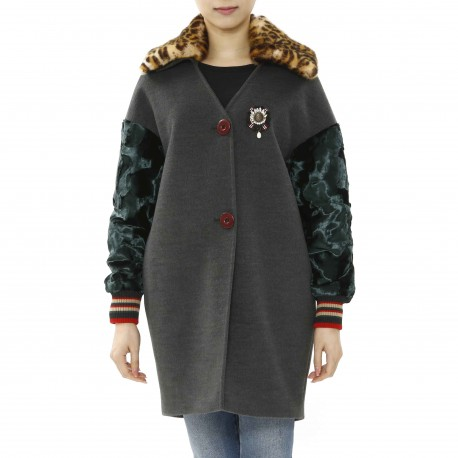 Jijil Coat with Contrasting Collar and Sleeve Details