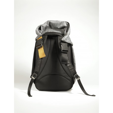 Cote & Ceil Nile eco yarn grey backpack