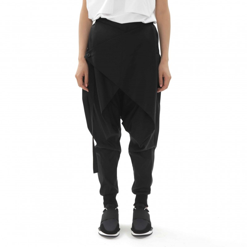 Enzuvan Trousers with Button Detail